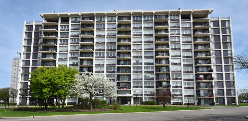 8801 W Golf Road UNIT 12A Niles, IL 60714