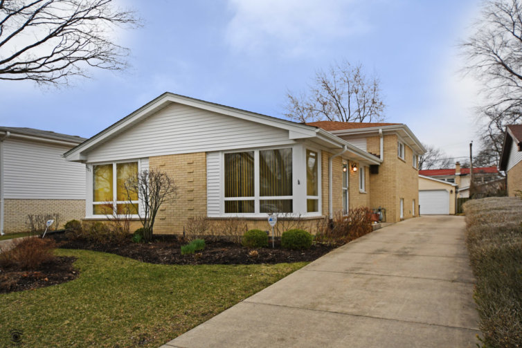 7921 Lyons Street, Morton Grove, IL 60053