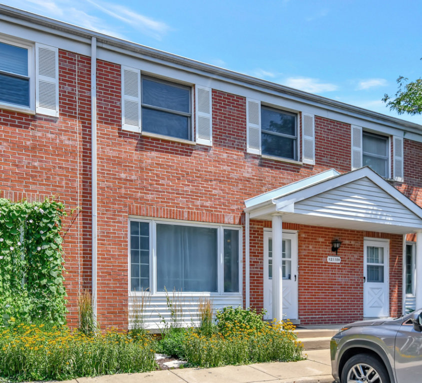 2118 Rugen Road #C, Glenview, IL 60026