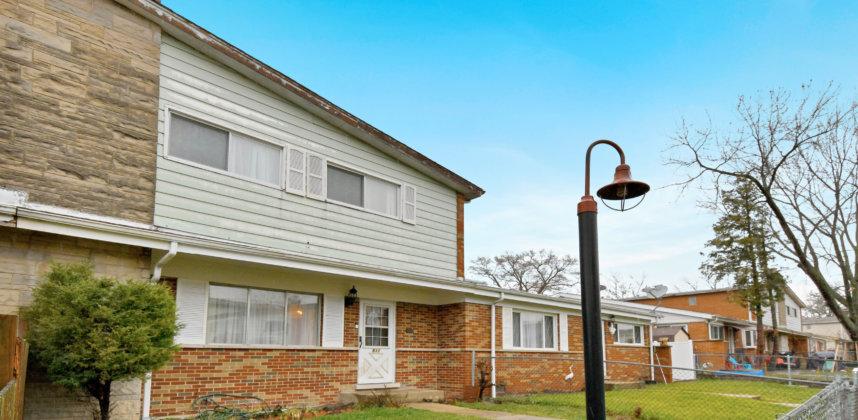 511 Glenshire Rd, Glenview, IL 60025