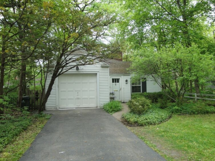 617 Indian Road Glenview, IL 60025