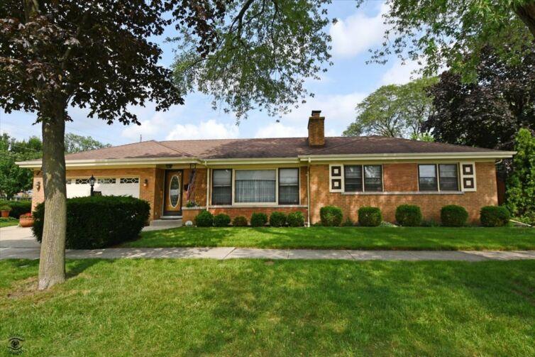 955 N Seeley Avenue Park Ridge, IL 60068